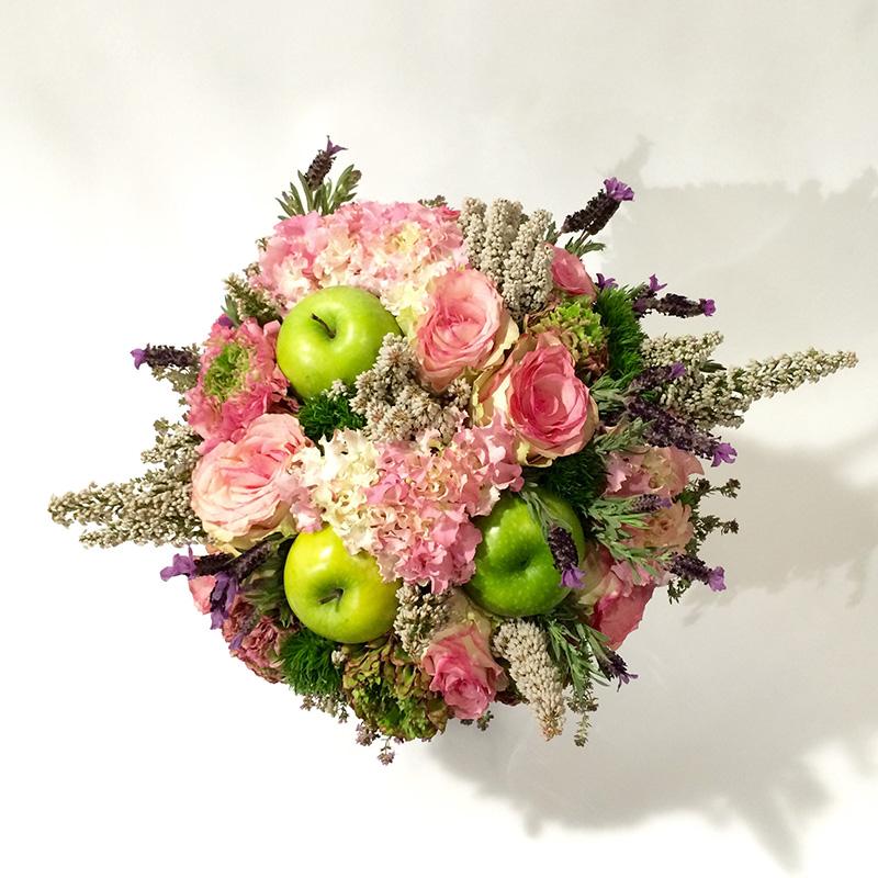 Bouquet de saison « Pomme Lavande » par Christian Morel Fleuriste à Paris