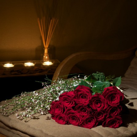Florist Paris Delivery red roses valentine day